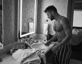 Ricky Martin khoe thân hình cơ bắp