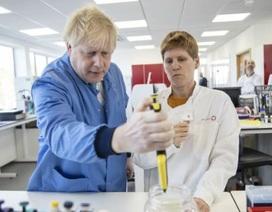 Phát hiện lô hàng kit xét nghiệm do chính phủ Anh đặt có chứa virus corona