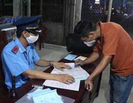 Xử phạt 6 xe khách cố tình chở người từ TPHCM đi các tỉnh