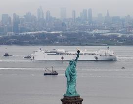 Tàu bệnh viện Mỹ gây tranh cãi khi mới tiếp nhận 20 bệnh nhân ở New York