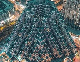 """Tòa nhà vặn xoắn như mê cung và loạt kiến trúc """"độc, lạ"""" bậc nhất Châu Á"""