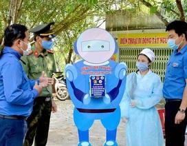 """Một giảng viên sáng tạo """"Dũng sĩ diệt khuẩn"""" để phòng chống Covid-19"""