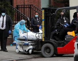 """Y tá ám ảnh cảnh """"người chết khắp nơi"""" bên trong các bệnh viện ở New York"""