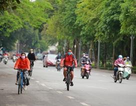 Hà Nội: Hàng trăm người dân đi tập thể dục bị nhắc nhở quay về nhà