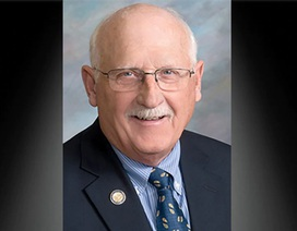 Mỹ: Nghị sĩ bang Nam Dakota chết vì Covid-19