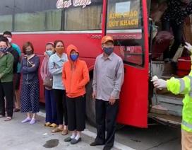 Xe khách chở 30 người đi xuyên Việt giữa dịch Covid-19