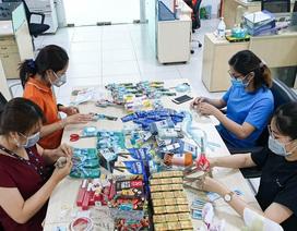 Dân công sở gói quà, sáng tác nhạc tặng y bác sĩ tuyến đầu chống dịch