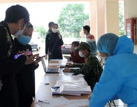 """Ho sốt, thanh niên """"dọa"""" vừa về từ Bạch Mai để trốn công an"""