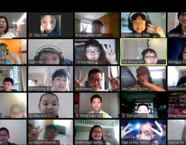 """Học sinh Hà Nội """"biến"""" giờ học online thành chuyến thăm quốc gia Đông Âu"""