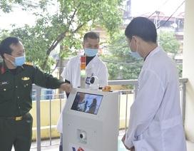 Việt Nam chế tạo thành công robot vận chuyển trong các khu vực cách ly