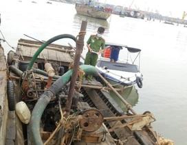 Liên tiếp phát hiện khai thác cát lậu giữa mùa dịch