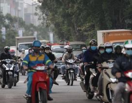 Hà Nội: Dòng người nườm nượp đổ ra đường như chưa hề có lệnh cách ly