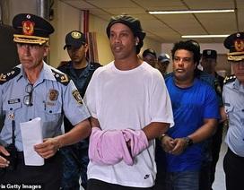 Trả 1,6 triệu USD, Ronaldinho được quản thúc tại khách sạn