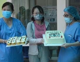 """Chiếc bánh kem đặc biệt """"Cảm ơn Đà Nẵng"""" của bệnh nhân Covid-19"""