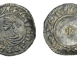Thợ săn kho báu tìm thấy đồng tiền hiếm từ 1.000 năm trước