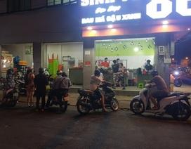 Hàng quán vỉa hè Sài Gòn hoạt động nhộn nhịp trong mùa dịch