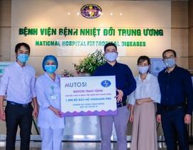 Mutosi trao tặng 1.000 bộ bảo hộ cho bệnh viện Nhiệt Đới Trung Ương