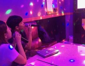 Bi hài mùa cách ly xã hội: Stress, mất ngủ vì karaoke... nhà hàng xóm