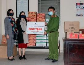 Ciputra trao tặng nhu yếu phẩm hỗ trợ phòng, chống dịch Covid-19