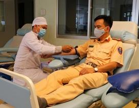 Hàng ngàn cán bộ, chiến sĩ Công an miền Tây hiến máu cứu người