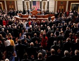 Ông Trump dọa đình chỉ quốc hội dù phải ra tòa