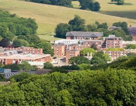 Sinh viên đại học Anh đòi giảm tiền ký túc xá, nhà trọ