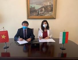 Gửi tặng 10.000 khẩu trang cho Bulgaria: Nghĩa tình của những người Việt một thời gắn bó với Xứ sở hoa hồng
