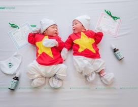 """Biểu cảm """"tan chảy"""" của các em bé sinh trong mùa dịch COVID-19"""