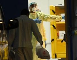 """Số ca mắc Covid-19 tăng kỷ lục, Singapore """"oằn mình"""" ứng phó dịch"""