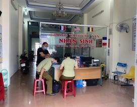 Nhiều phòng khám tư nhân bất chấp lệnh cấm vẫn mở cửa giữa mùa dịch