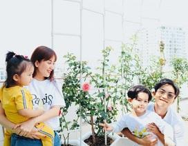 Ngắm khu vườn ngập hoa hồng trên ban công của Khánh Thi- Phan Hiển