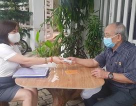 Đà Nẵng: Niềm vui của ông già, bà cả được nhận lương hưu tháng 4,5 tại nhà