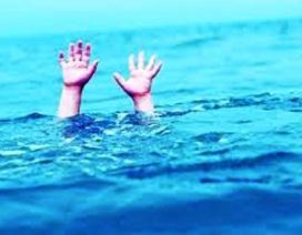 Cứu sống 2 phụ nữ đuối nước khi tắm biển