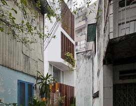 """Nhà ống xây trên đất méo ở Sài Gòn vẫn đẹp bất ngờ nhờ """"độc chiêu"""" thiết kế"""