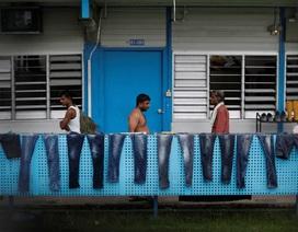 """Bên trong """"ổ dịch"""" Covid-19 lớn nhất Singapore"""