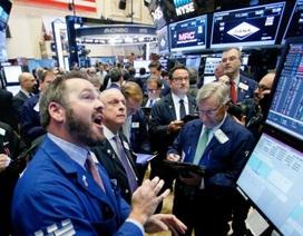 """Cách nhà đầu tư giàu có sử dụng tiền mặt khi thị trường """"lao dốc"""""""