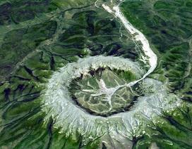"""""""Khối núi kho báu"""" bí ẩn ở Siberia với nhiều kim loại quý"""