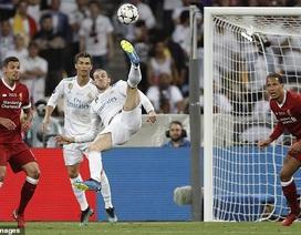 """Garethe Bale tái hiện siêu phẩm """"xe đạp chổng ngược"""""""