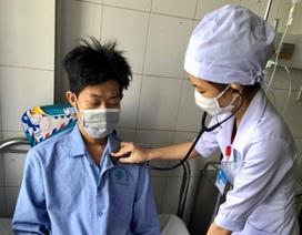 Gia đình xin bác sĩ cho con về vì bệnh quá nặng, bác sĩ quyết tâm cứu sống