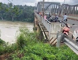 Lực lượng hai tỉnh phối hợp tìm kiếm người phụ nữ nghi nhảy cầu