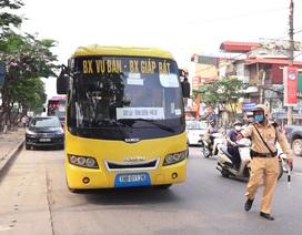 Hà Nội: Nhiều xe khách không thực hiện giãn cách bị CSGT xử lý