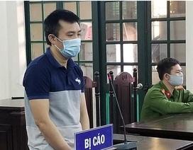 Hà Nội: Húc đầu vào mặt công an khi bị nhắc nhở phòng dịch Covid-19