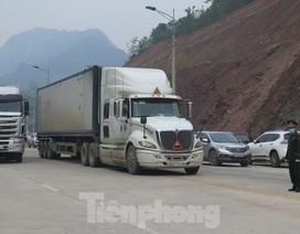 """Vì sao Lạng Sơn phải quản chặt """"đội lái xe chuyên trách"""" chở hàng sang Trung Quốc?"""