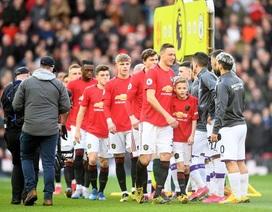Nhiều cầu thủ phản đối Premier League tiếp tục mùa giải