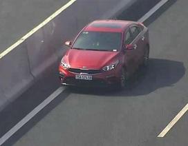 Phạt tới 18 triệu đồng nhưng vẫn có ô tô đi ngược chiều trên đường cao tốc