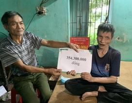 Bạn đọc giúp đỡ người đàn ông mù nuôi em gái tâm thần gần 355 triệu đồng