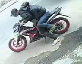 Truy bắt 2 thanh niên cướp tiệm vàng táo tợn ở TPHCM