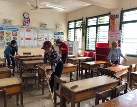 Thầy, cô dọn trường lớp, vào tận bản dạy kỹ năng phòng dịch cho học sinh