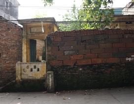 """Kỳ lạ làng có những ngôi nhà xây bằng tiểu sành """"độc nhất"""" ở Việt Nam"""