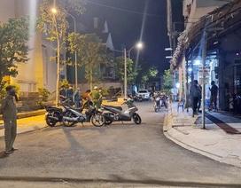 Hai nhóm hỗn chiến trong đêm, nghi nổ súng làm 2 người bị thương